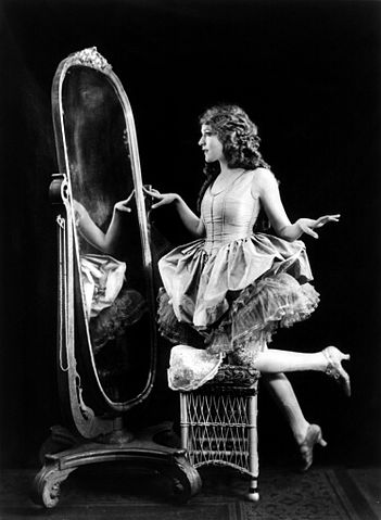 351px-Mary_Pickford-Ziegfeld